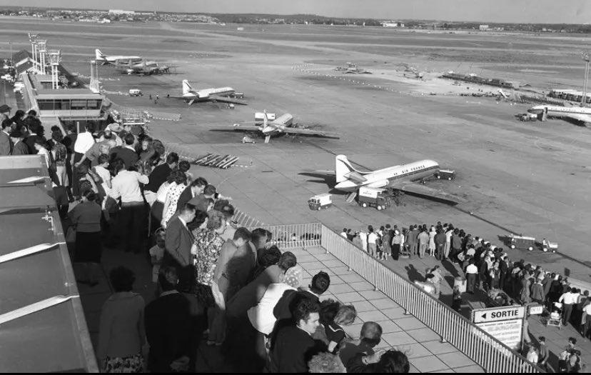 24 février 1961 «Dans l'ère industrielle, notre pays s'aperçoit que toutes les limites s'éloignent ...et qu'il peut se transformer au point d'être l'un des plus jeunes et des plus grands» General de Gaulle  #Orly #InaugurationDay #autretemps  #histoire