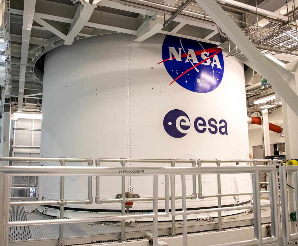 """Recently, the #Artemis I @NASA_Orion spacecraft was fitted with the @esa logo and the NASA """"Meatball"""" insignia. ESA provided the European-built service module which will propel and power Orion. Learn more:"""