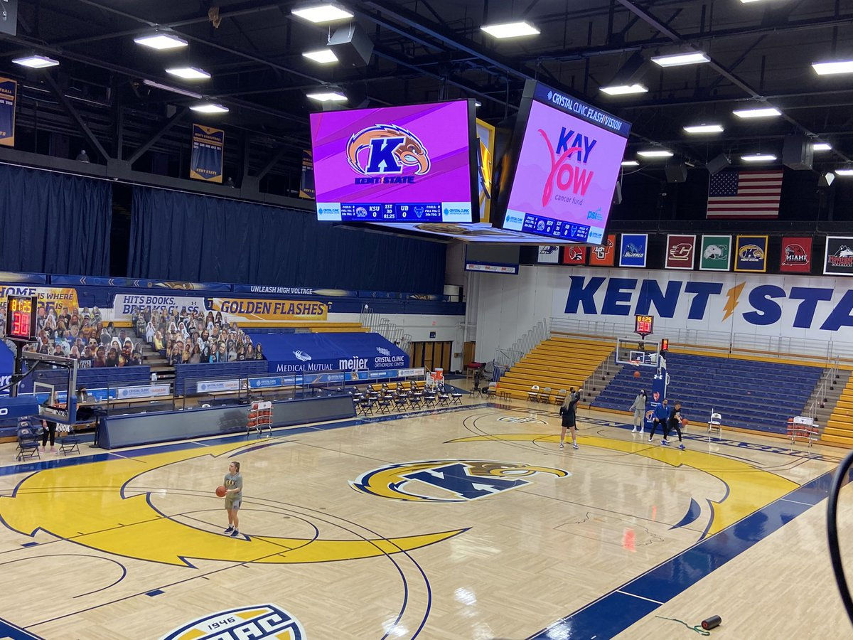 Here is the scene at the MACC Center as we get ready for tonight's matchup between @KentStWBB and @UBwomenshoops. I'll have the call on #espnplus with @davepxp, tip-off is at 6!