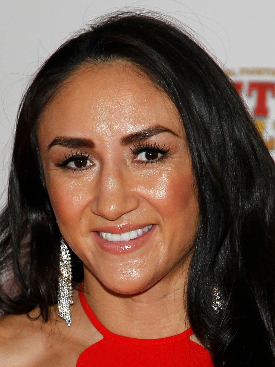 #MyFavoriteUFCFighter  @CarlaEsparza1 is somehow lacking in votes for some bizarre reason, but to me SHE is the most tough as well as the moat gorgeous girla in UFC history - sorry @MieshaTate & @ginacarano :(  Carla is as BADASS as he is beautiful, so hie your cookies! #UFC #TUF