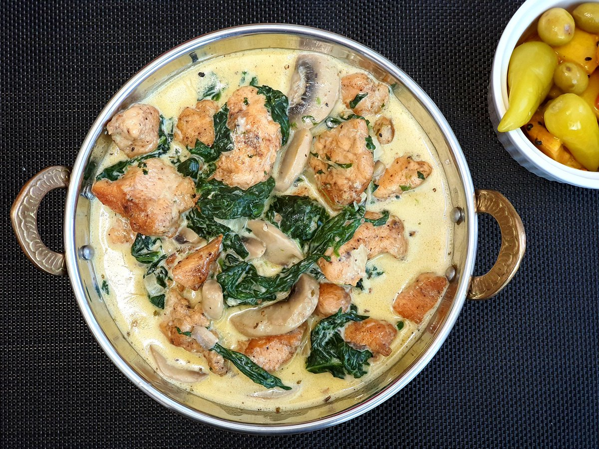 Tomorrow's recipe   Creamy #Chicken #Breast with #Mushroom and #Spinach!! #Yummy 😋  #EatLocal #homemade #DIY Please #SubscribeNow and remain up to-date! #recipe  #RecipeOfTheDay  #easyrecipes  #healthy #food #Foodie #baking #eatwell #FitnessMotivation