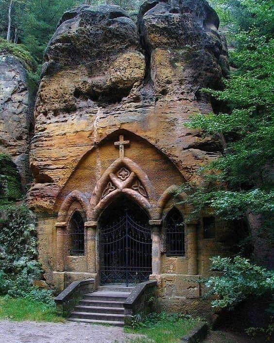 St Ignatius Rock Chapel in Modlivý Důl, Czech Republic, entirely hollowed out of a free-standing block of sandstone, first mentioned in year 1835.  https://t.co/em60tarFT9 https://t.co/WCA3m0v1fc