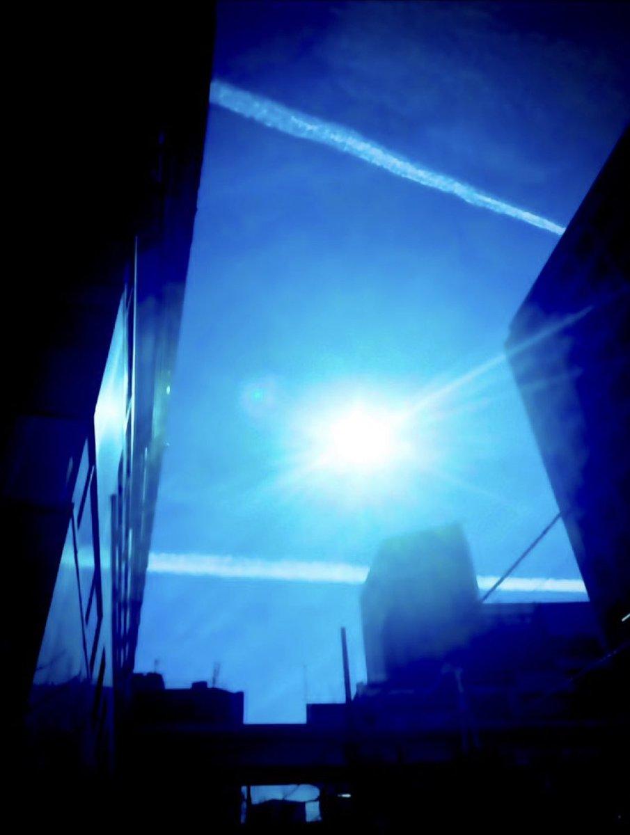 2021.2.25. #つかまえたシリーズ #空が好きな人と繋がりたい  #キリトリセカイ #イマソラ #カコソラ #sky  #photography  #縦構図