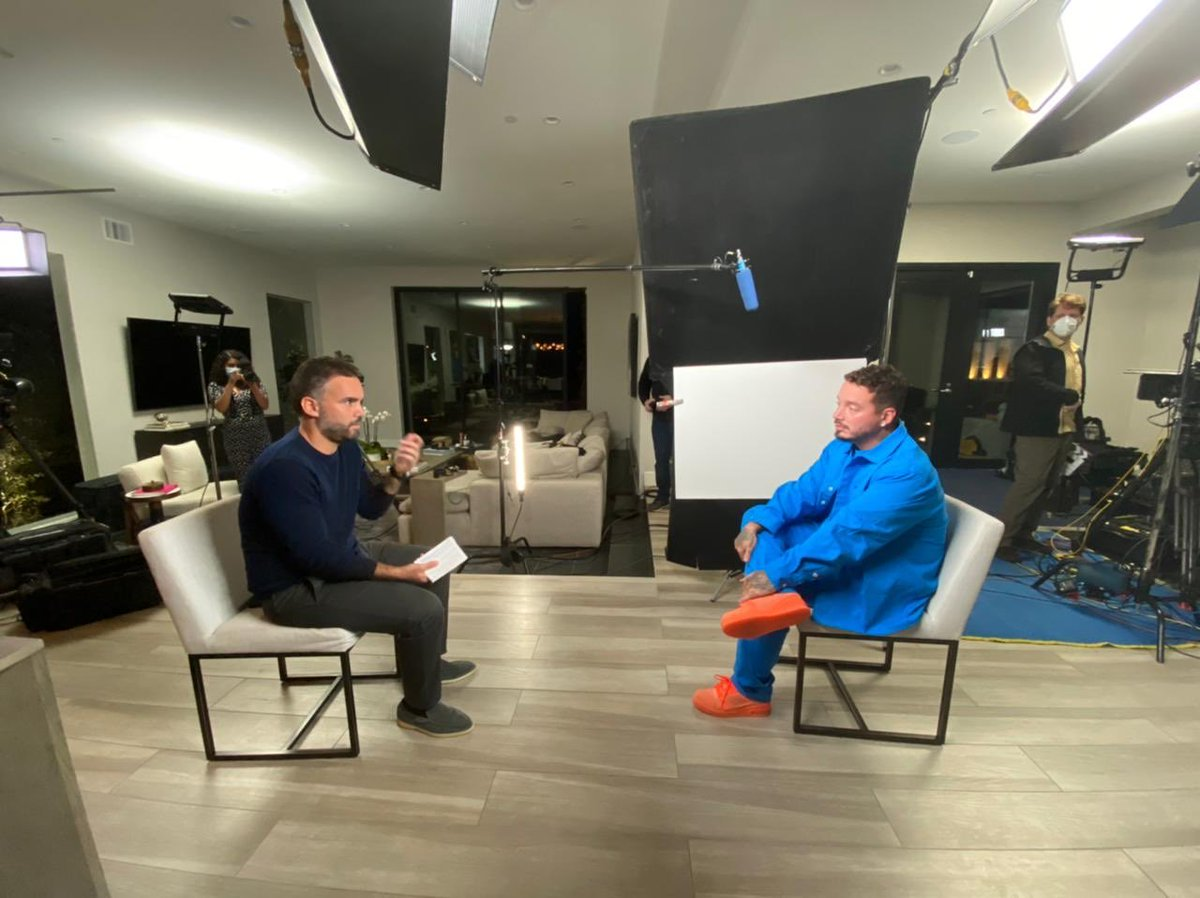 Excited to share my conversation with ⁦@JBALVIN⁩ on his incredible journey from the streets of Medellin, Colombia to sold-out stadiums across the world. That and much more coming March 4th on 60 Minutes + ⁦@paramountplus⁩. #LatinoGang