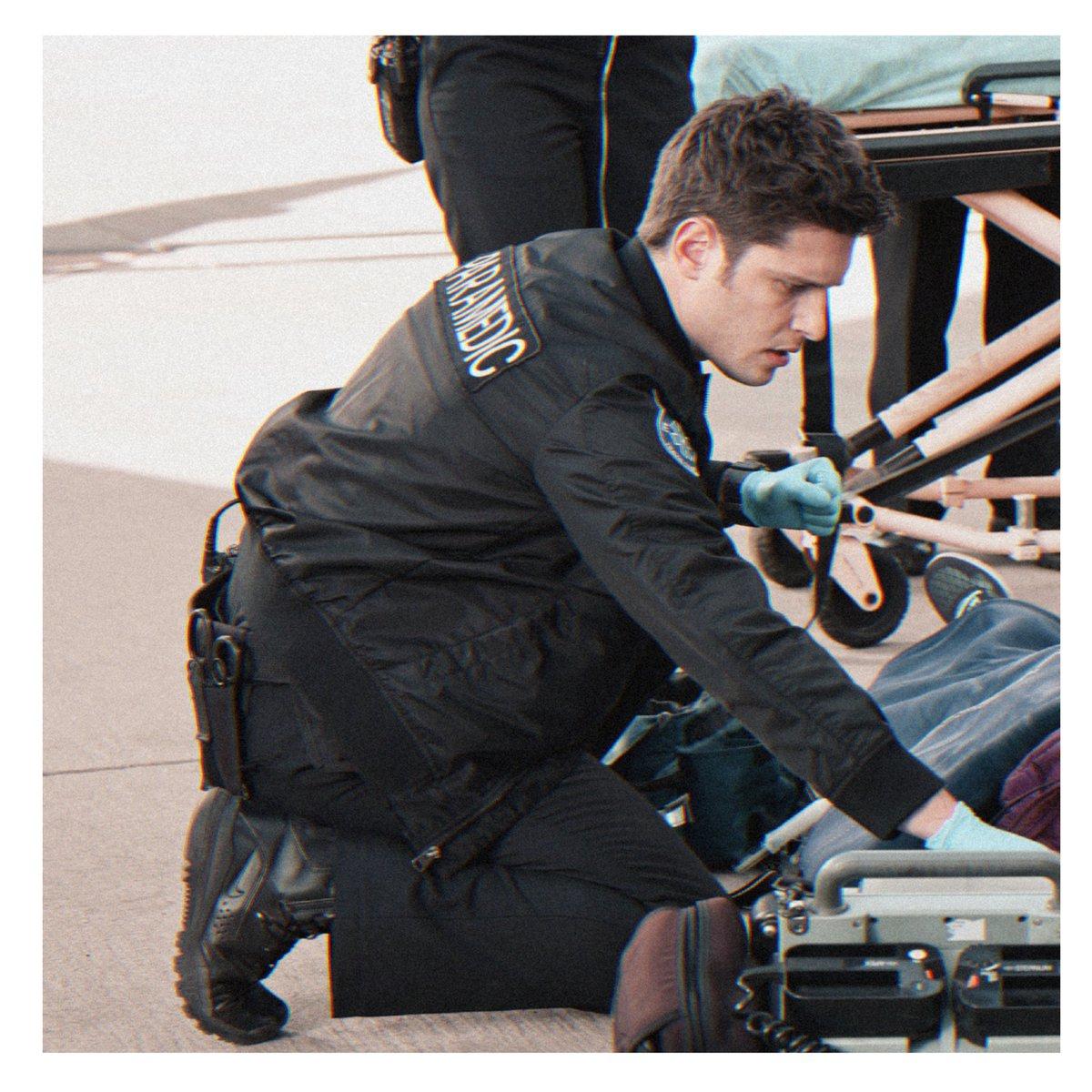 """AU: В аэропорту LA произошла авария, а в 118 прибыл новый парамедик. Вот только одно """"но"""", Эдди не знал, что Эван с ним, давно, знаком.  T.K: — Так ты тот самый Эдмундо, о котором говорит Бак?  Э: — Прости, что? Ты знаешь Эвана? T.K: — Лучше, чем ты думаешь.  #buddie #911onFOX"""