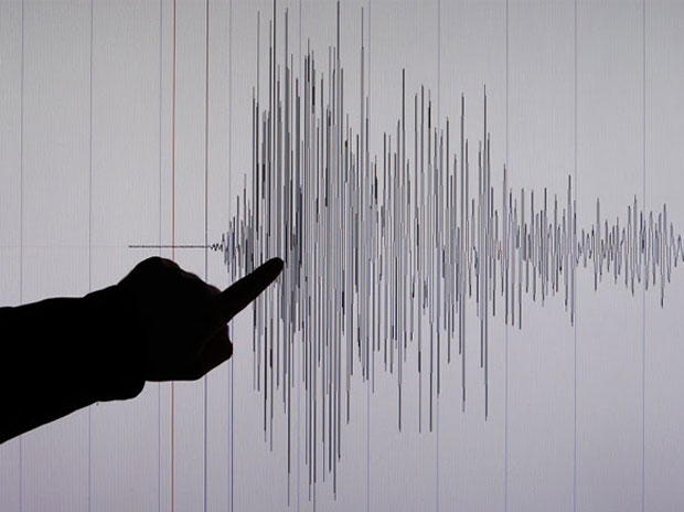 #Earthquake #Delhi #NCR Earthquake of magnitude 3.3 hits Manipur