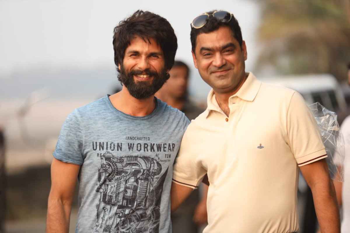 Happy Birthday to one of the most amazing actor I have ever known, @shahidkapoor❣ Lots of love!  #HappyBirthdayShahidKapoor