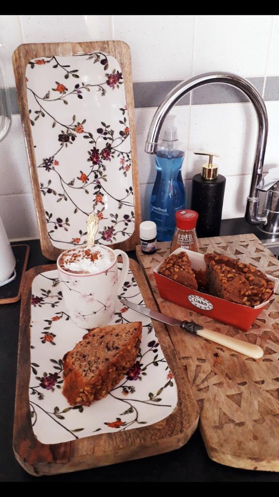 "They say : "" U r what u eat "" . Overall m a total #health freak ! 😄  Also know that u need 2 enjoy Life & treat urself on something delicious coz u deserve it & I deserve a homemade #banana #bread 4 #breakfast !! 😋 #GoodMorningTwitterWorld 7.30 am in #Amsterdam #Gaasperplas"