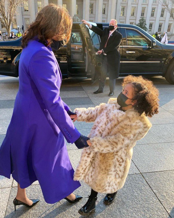 Loved 💜 these two pictures, @MeenaHarris. Your little one visiting Auntie Kamala (#KamalaHarris) at her new job......  ....and baby girl asking every 5 mins throughout the entire #BidenHarrisInauguration ceremony if she could meet #HillaryClinton.  #WomenInLeadership #LeadWomen