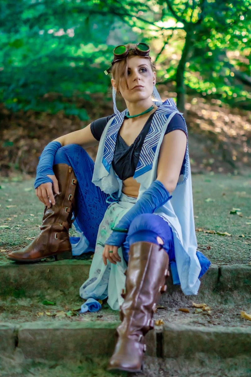 Is it thursday yet?  I am hyped for the upcomming @CriticalRole by @matthewmercer episode I wanna see how the Beauyasha date is going!  Beau by @merinapyon Character by @Marisha_Ray   #Criticalrole #CriticalRoleSpoilers #cosplay #photography #beauregardlionett #critters