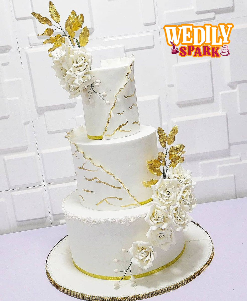 """""""It's always an emotional day on your wedding, that even Wedily Spark cake is in tiers sparkling @swabcakeryshop_ . 👰♀️🤵♂️ For orders send us a WhatsApp message now by hitting the link  #swabcakeryshop #wedding #tht #wedilyspark #UOTwedding"""