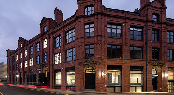 @AvisonYoung has secured a #letting to NB Avenue Limited, at the iconic #DucieHouse in #Manchester following a £2million refurbishment programme. Ducie House is home to around 20 tenants including technology, marketing and fashion occupiers. Read more: bit.ly/2ZRzPAR