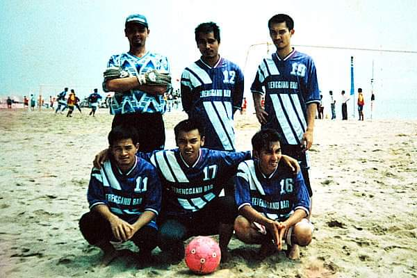 #Throwback to 1998 when I kept goal for our team, Ghaz FC in the Mild Seven Beach Football tournament, among the first to be held in the country this edition was held at the Batu Buruk Beach. 19 years later the AFC Beach Football championships was held at the same venue.