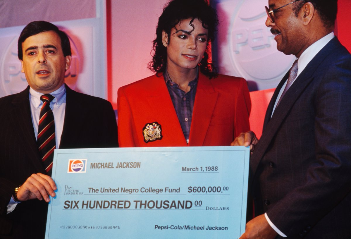 On this date in 1988, Michael Jackson increased his commitment to United Negro College Fund with a donation of $600,000, the proceeds from his performance at Madison Square Garden. #MJHumanitarian