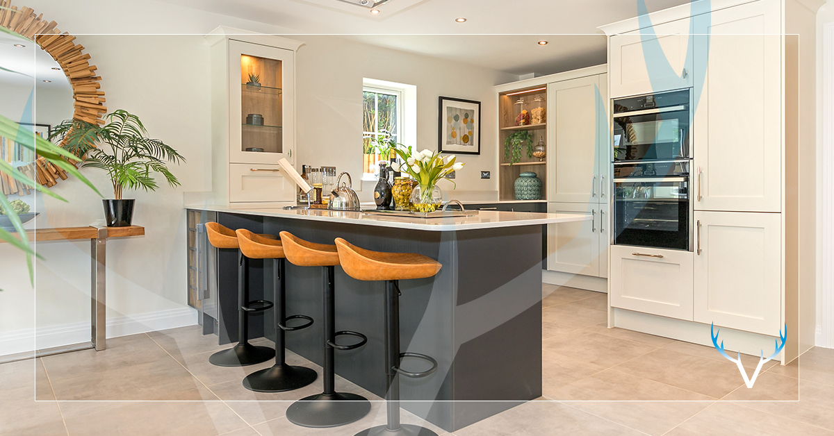 We chose to work with Caesarstone as their luxurious quartz worktops meet our strict quality criteria. @CaesarstoneUK Read more in their case study: caesarstone.co.uk/latest-news/fe… #kitchendesign #designerkitchen #caesarstone #interiordesign #kitcheninspiration #peterdavidhomes