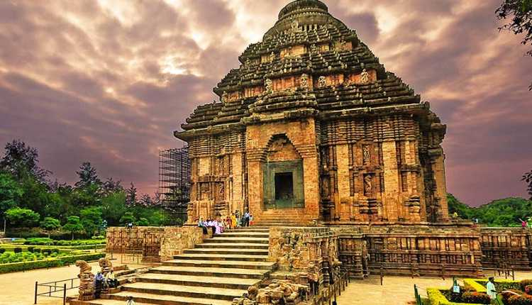 15 Tourist Attractions to visit in Odisha at least once in your life  See:   #isrgrajan #ThursdayMotivation #ancientindia #ancienttemples #beach #Bhubaneswar #BlueFlag #caves #FEE #HinduTemple #odisha #puri #PuriBeach #Temples #Tourism