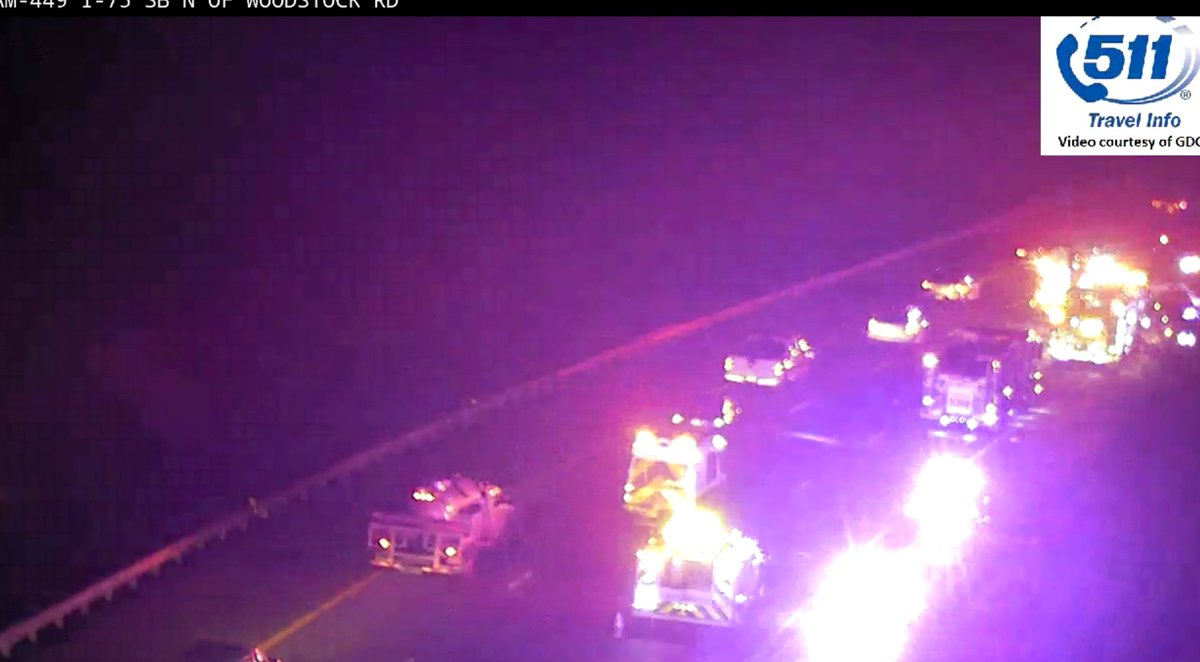 TRAVEL ADVISORY due to this Crash on I-75/sb south of SR-92 (exit 277) in the two right lanes.  Use the @PeachPassGA lane or Hwy 41 #ATLtraffic