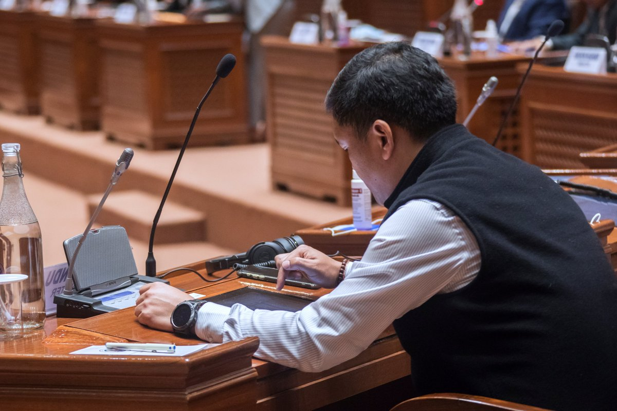 Paperless Arunachal Assembly..   It went paperless since March 2020 Assembly session with the implementation of E-Vidhan project.   #EVidhan