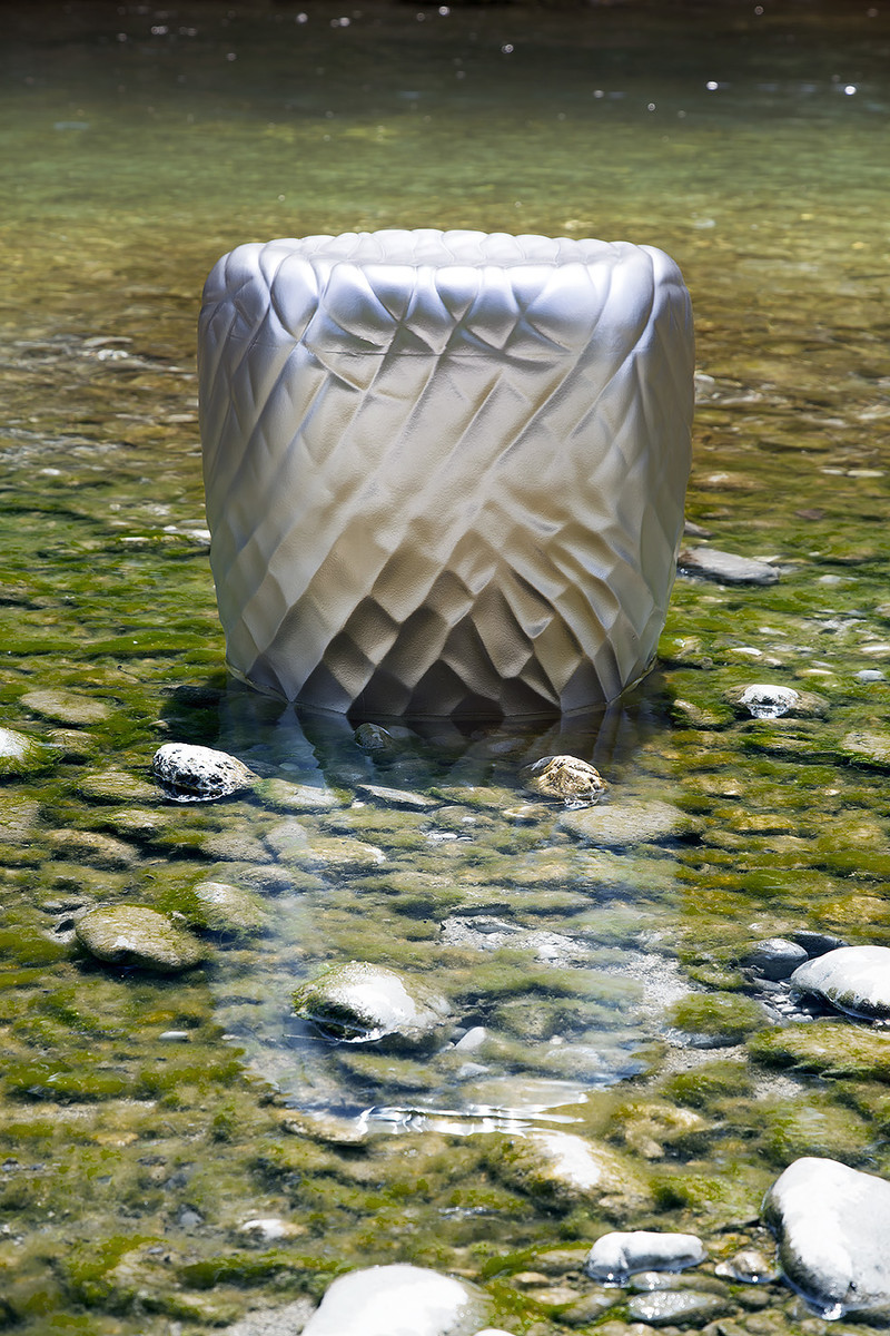 This pouf looks like a stone, giving a pleasant sensation of softness and comfort. It is very easy to move and is waterproof thanks to its compact external polyurethane surface, making it the perfect choice for outdoor settings.  https://t.co/JiEDCedpXT