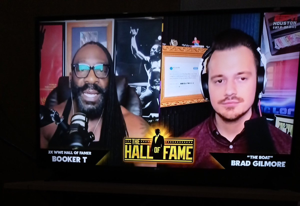 Even The Hall of Fame Booker T said @PaulWight will make something good in AEW. How dare u-someone with no wrestling experiences-can judge this is a bad situation for AEW? 😆😆 #AEW #PaulWight