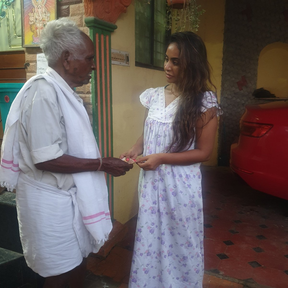 THATHA You rich by your heart ❤, I AM POOR BY my mind.. Thanks for believing me that I stand for humanity.. god bless u 🙏
