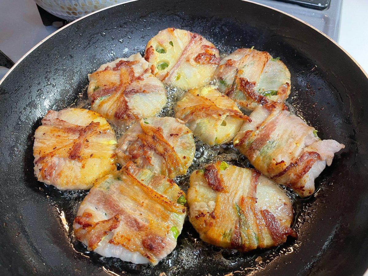 肉で巻けばだいたい美味いけどこれは別格!肉巻きレンコンのレシピ!