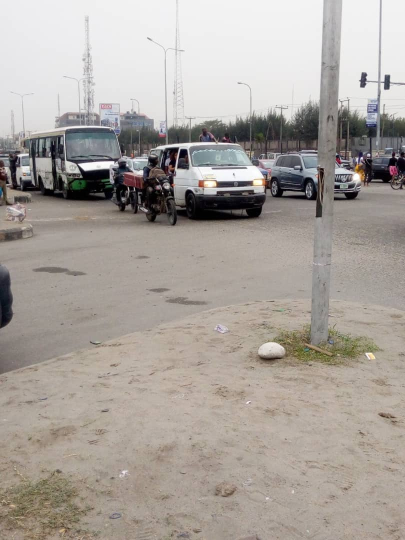 Our officers have hit the roads. The bikers are on convoy patrol of Ketu - Ikorodu Road. Other teams are at Jakande Roundabout and Lekki corridor. Please drive carefully and be considerate to other road users.