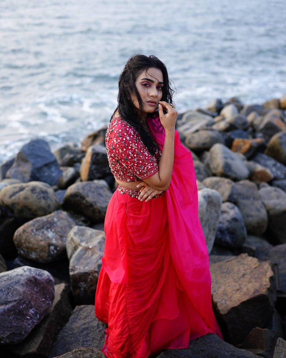 Concept & direction : @soorajskofficial   MUA @_aishwarya_karayil  Jewellery @ariabykollattjewellers  Designer: @kamila_kasim @cameella_boutique #fashionshoot #beach #pink  #BridalBoutique #BridalCouture #bespokefashion #IndianBridals #WeddingSutra #BridesTodayIn #HauteCouture