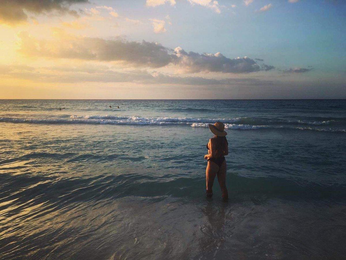Good morning everyone, happy to be here sharing my happiness with u all! Wishing u here 😍   #beachbody #thursdayvibes
