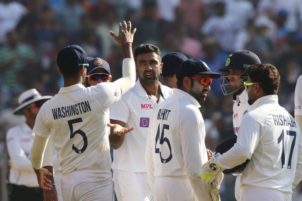 Top ground. Splendid crowd. Clinical win. 🇮🇳   Congratulations @ImIshant on your 100th Test match. Inspiring!   400 Test wickets. Massive👌   @ashwinravi99 #TeamIndia 🇮🇳