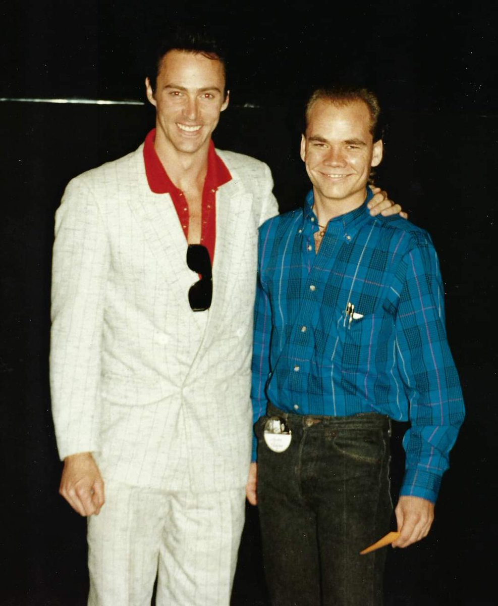#ThrowbackThursday   I had the honor of attending a Magic Convention hosted by Siegfried & Roy at The Mirage in Las Vegas back in the early 90's. This is a picture of me and one of the most talent and nicest guys in the World of Magic. https://t.co/MHDqyzpibJ https://t.co/T2TcLhrTuP