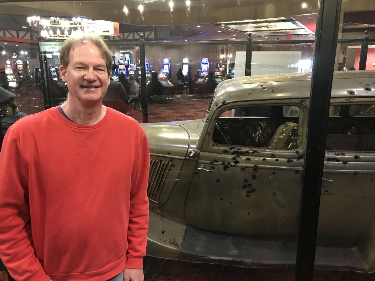 Bonnie and Clyde's death car (obviously riddled with bullets) on display at Whiskey Pete's Casino in Primm, Nev. https://t.co/gxajk2sfHG