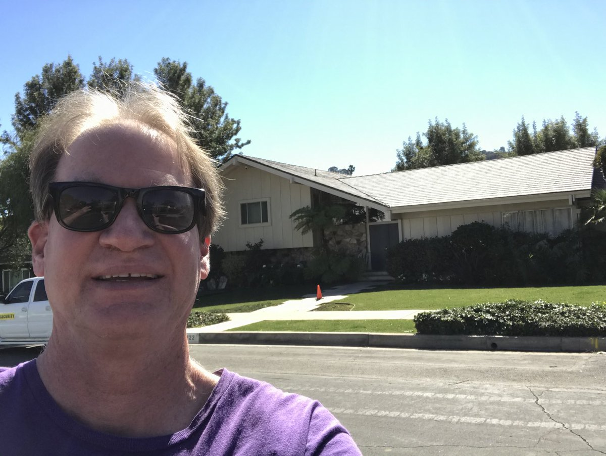 In front of Brady Bunch house, Studio City, Calif. https://t.co/UhBq2a0UWJ