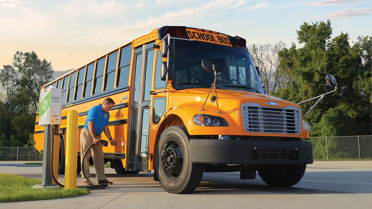 Excited to announce that @ThomasBuiltBus in collaboration with @Proterra_Inc and Highland is part of the largest procurement of electric school buses in the nation with Montgomery County Public Schools. Read more about this historic undertaking at: