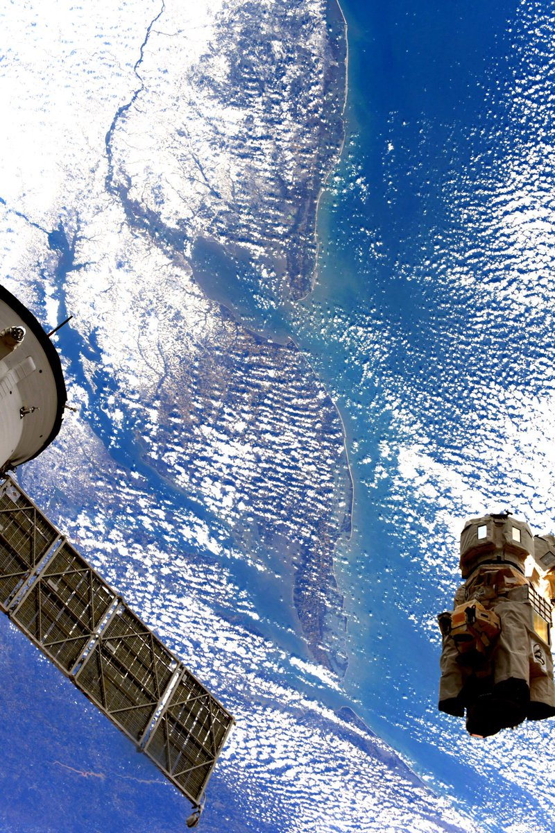 Did ya'll see this incredible #SnowyTrack pic JAXA Astronaut @Astro_Soichi captured from the @Space_Station last week of us & maybe @PoconoRaceway & more?! #NASCAR @NASA_Wallops #ISS #Cygnus