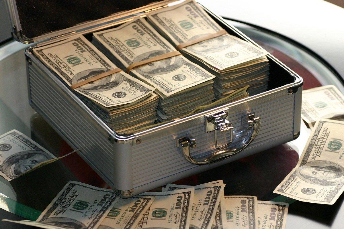 El FBI advierte que se están llevando a cabo estafas con mulas de dinero que se aprovechan de la pandemia de #COVID19: fbi.gov/news/pressrel/…