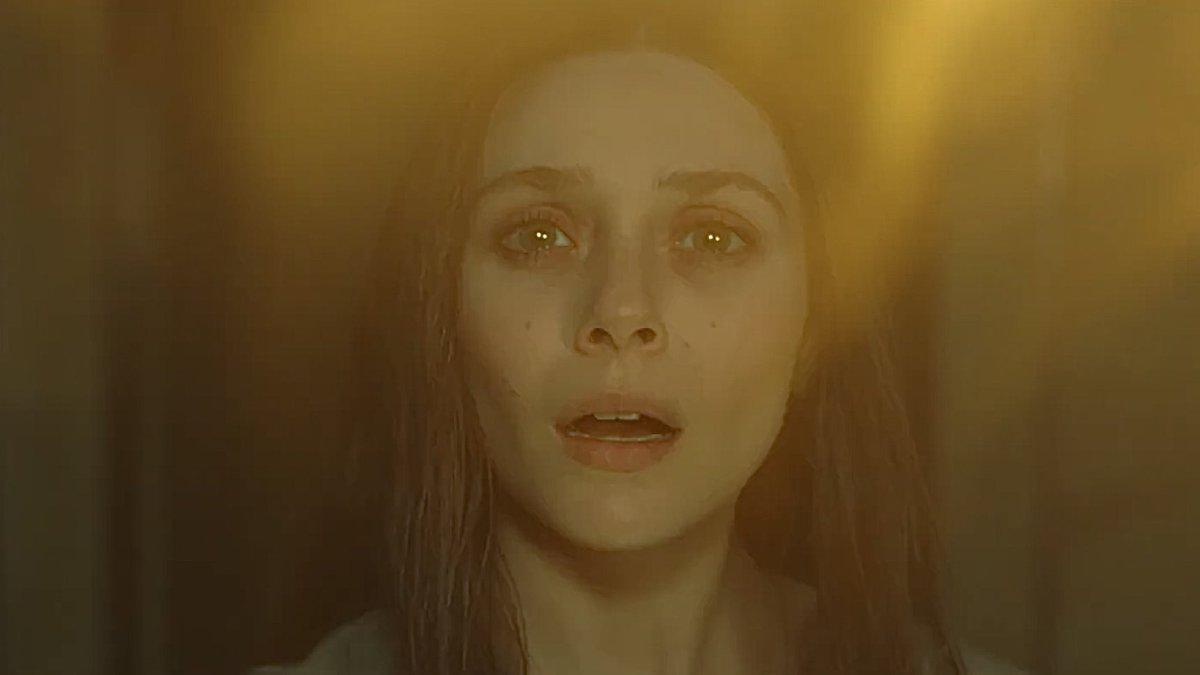 #Wanda al no poseer el cuerpo de #Visión se lo trajo de otro universo manipulando otra gema con ayuda de #AgathaHarkness