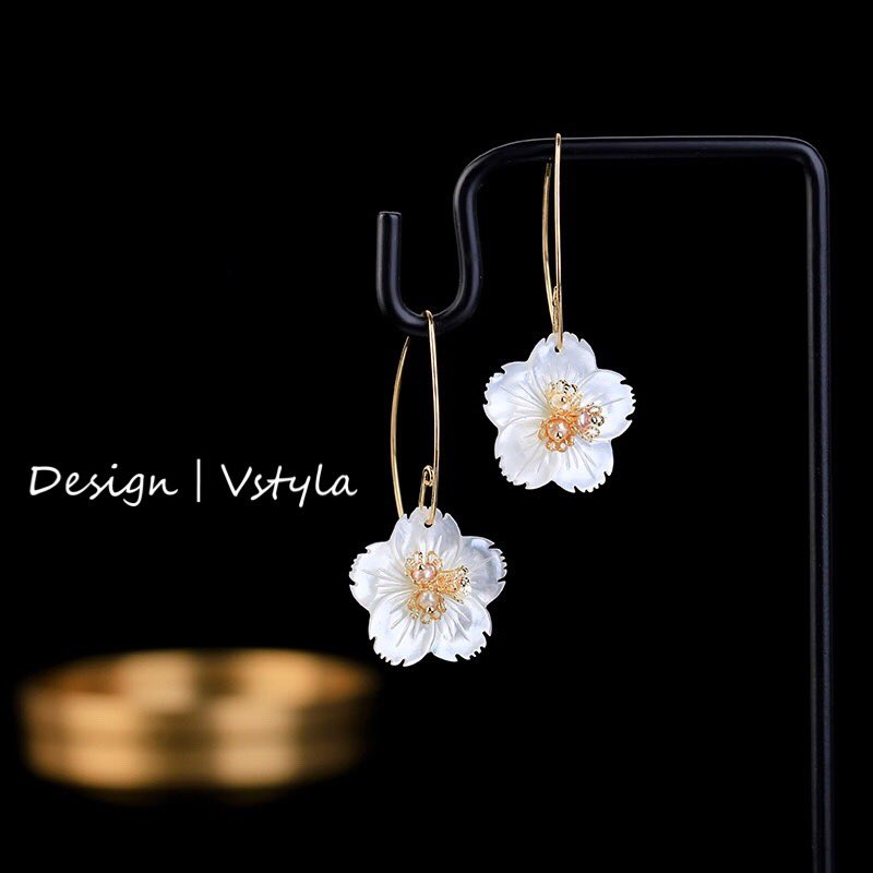 Design|Flower Earring  2021 New Collection  Promotion:Buy three Get one FREE  Start: 2/21/2021 Don't miss out! ⬇️  #ootd #fashionista #photooftheday #jewelry #love #beautiful #party #daily #luxury #earrings #pearl #handmade #necklace #bracelets #ring