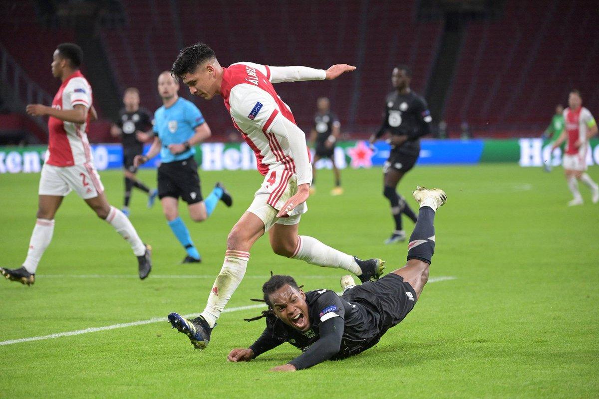Lille s'ajoute au triste bilan des clubs français sur la scène européenne  Après l'élimination de Lille en Ligue Europa, il ne reste déjà plus qu'un club français engagé dans les Coupes d'Europe, le PSG  #AJAXLOSC