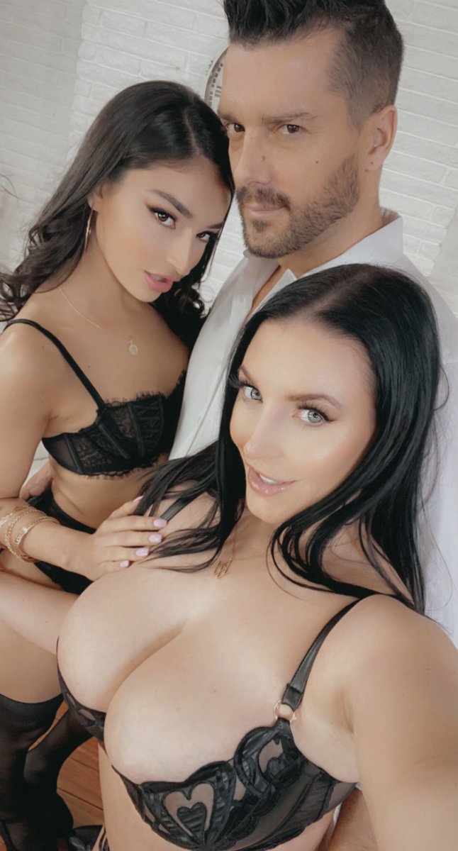 """OMG 😈 @emilywillisxoxo and @RamonxxxnomaR made me cum so hard today 💦 Shooting for @ElegantAngelxxx's """"Performers of the Year 2021"""" directed by @sidknoxxx."""