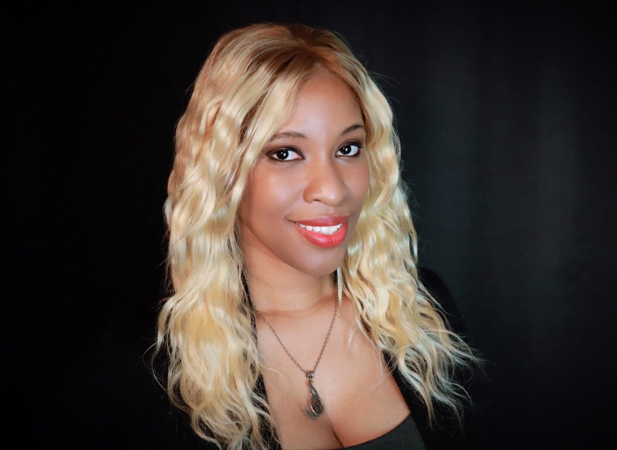 💜 Chauncey K. Robinson (She/Her), AKA @MsChaunceyKR, is a host, writer, & journalist- nicknamed Twisted CKR- who specializes in film/TV analysis, politics, & her love of horror & fantasy. On her YouTube, you can find everything from commentary to storytelling!  #bhm #horrorfam https://t.co/pWYVeLeeKo