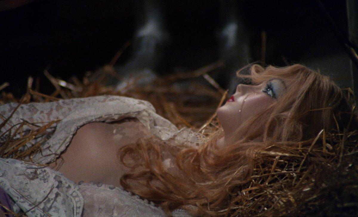 "𝕰 𝖟 𝖊 𝖖 𝖚 𝖎 𝖊 𝖑 . 🐩🤍 on Twitter: ""IM SCHLOSS DER BLUTIGEN BEGIERDE  — CASTLE OF THE CREEPING FLESH (Adrian Hoven, 1968)… """