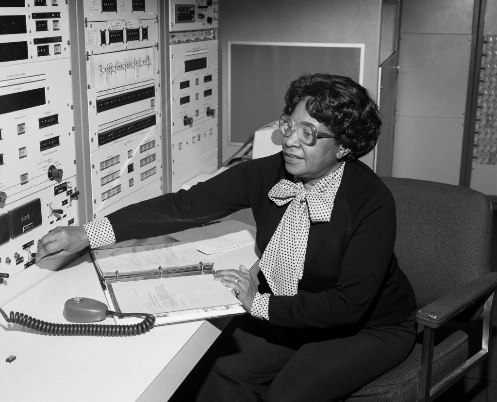 Tomorrow (Feb. 26) NASA Headquarters will be named after Mary W. Jackson, NASA's first female African American engineer. Tune in to NASA TV at 1p.m. ET to celebrate Jackson and the naming of NASA Headquarters. Details::