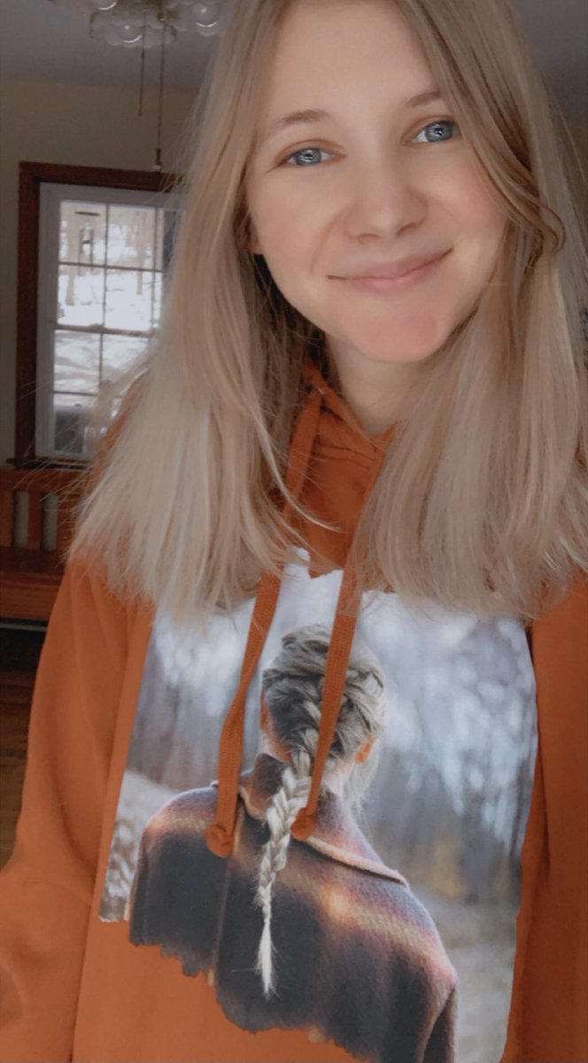 You're a bandit like me, eyes full of stars ✨🧡 My hoodie came in and I'm obsessed!!! #evermorealbum #TaylorSwift