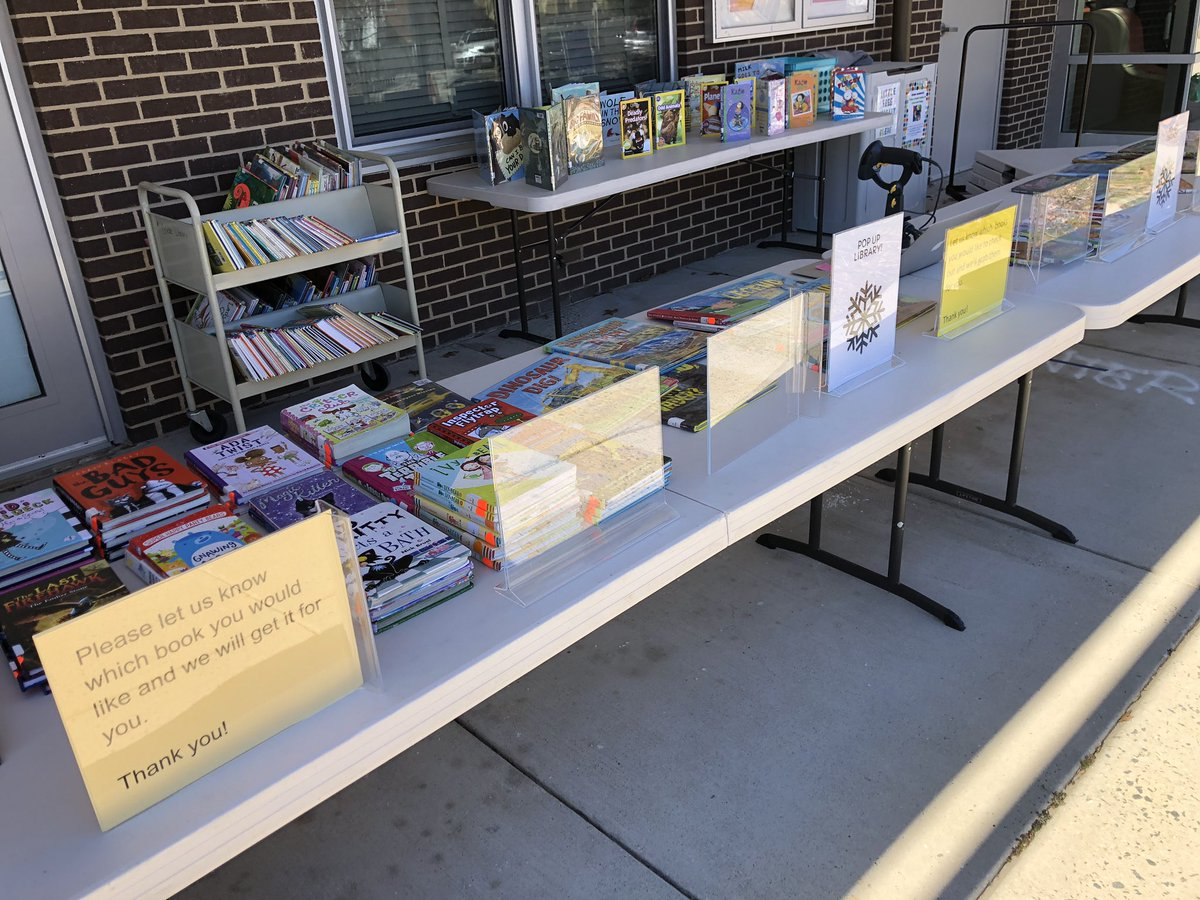 A beautiful day for getting books to Glebe Readers! 📚☀️📚<a target='_blank' href='http://twitter.com/GlebeAPS'>@GlebeAPS</a> <a target='_blank' href='http://twitter.com/APSLibrarians'>@APSLibrarians</a> <a target='_blank' href='https://t.co/fhmFhWJqbc'>https://t.co/fhmFhWJqbc</a>