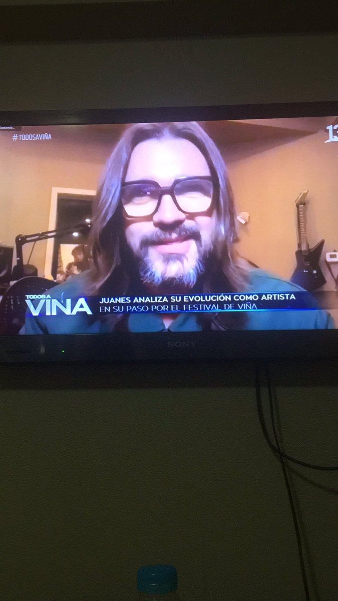 Replying to @Babyleiva13: Que bello recuerdo de @juanes. Cómo decimos aquí en Chile, estás cómo el vino!. 🥰😍 #todosaviña
