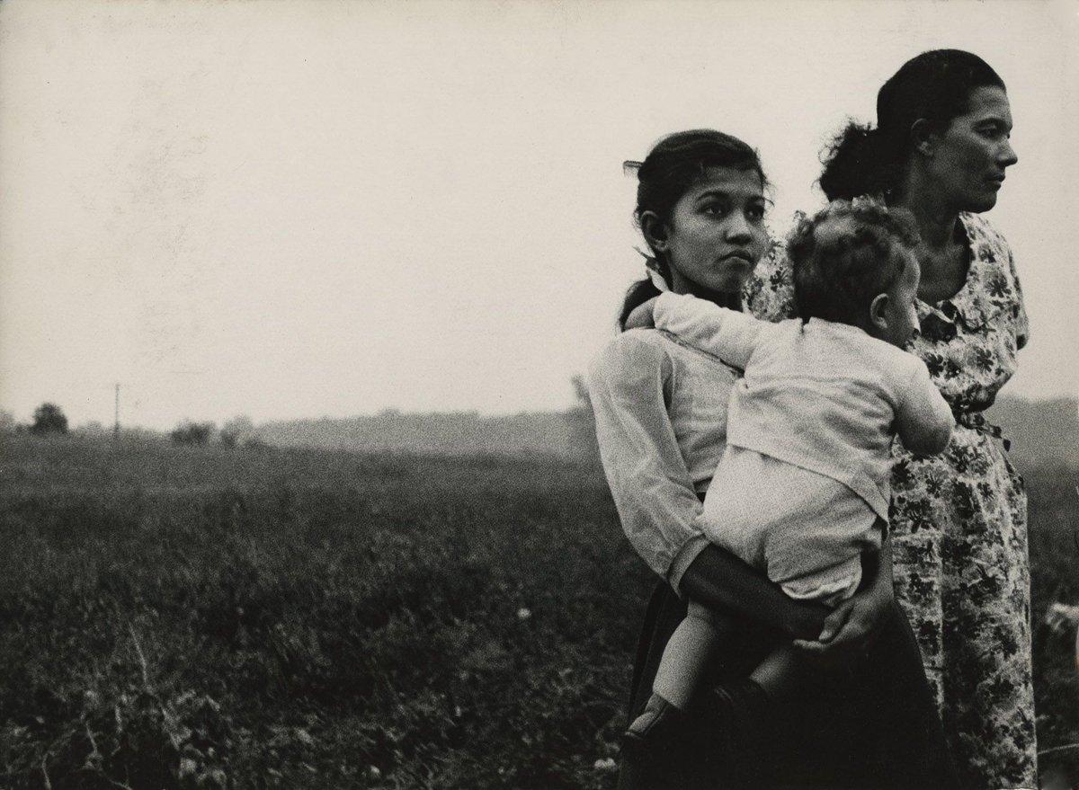 Women, Glassboro, NJ •  Charles Harbutt • 1957 #blackandwhite #PHOTOS  #blackandwhitephoto #photography