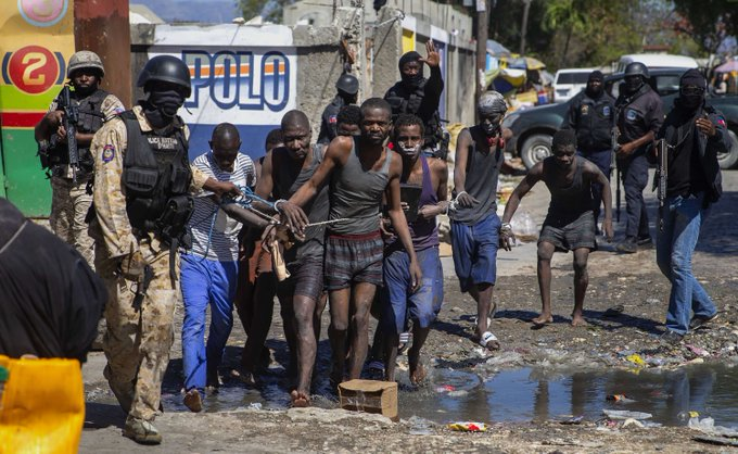 8 dead, including prison director, after Haiti jail break Photo