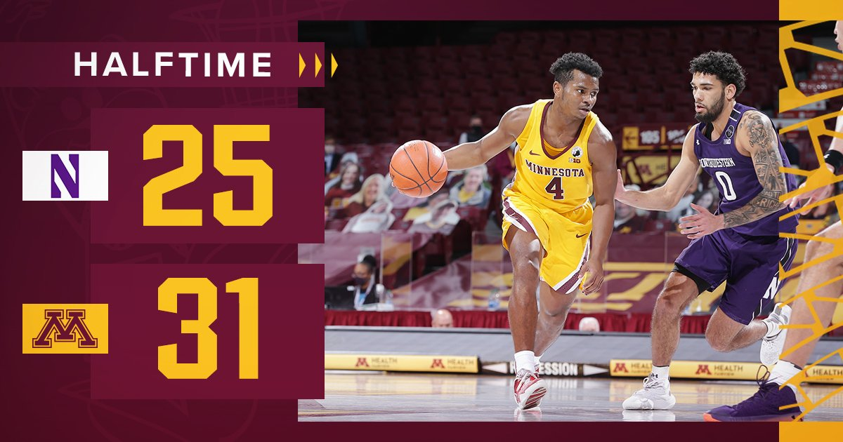 #Gophers with the lead at the half!