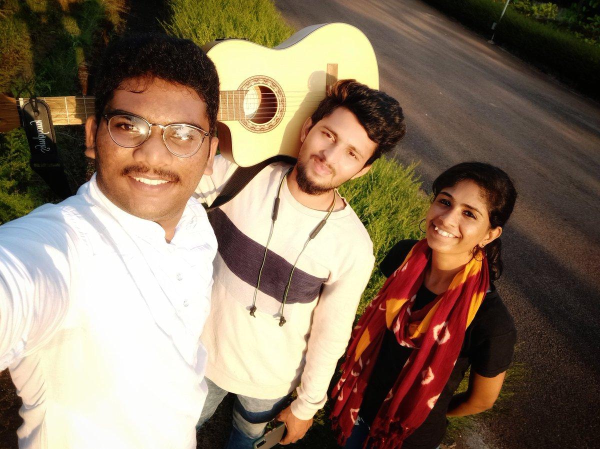 We've worked with smile, until it's our turn.....  @vivekalva @KurianAdhikaram  #gunesh_bharathiya #alvas #love #TFLers #photooftheday #20likes #amazing #smile #follow4follow #like4like #look #picoftheday #food #followme